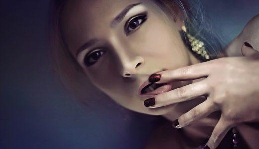 爪をいじる癖がある人の心理!爪むしりする男性と女性の理由を徹底解説